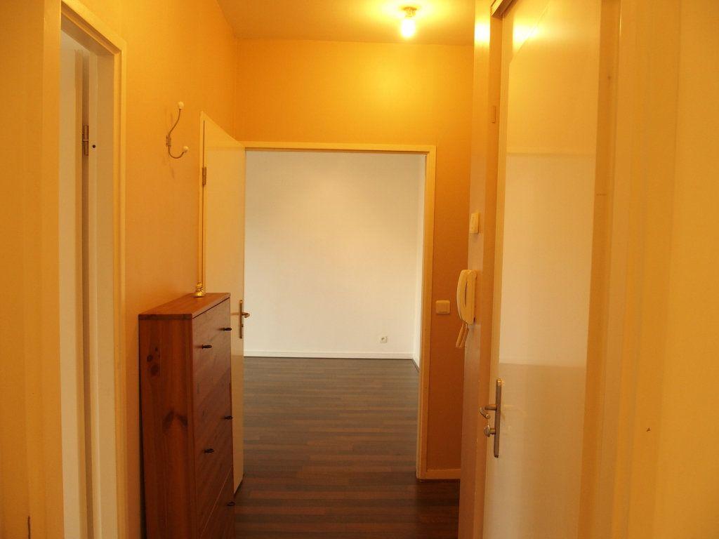 Appartement à louer 2 42m2 à Bois-d'Arcy vignette-6