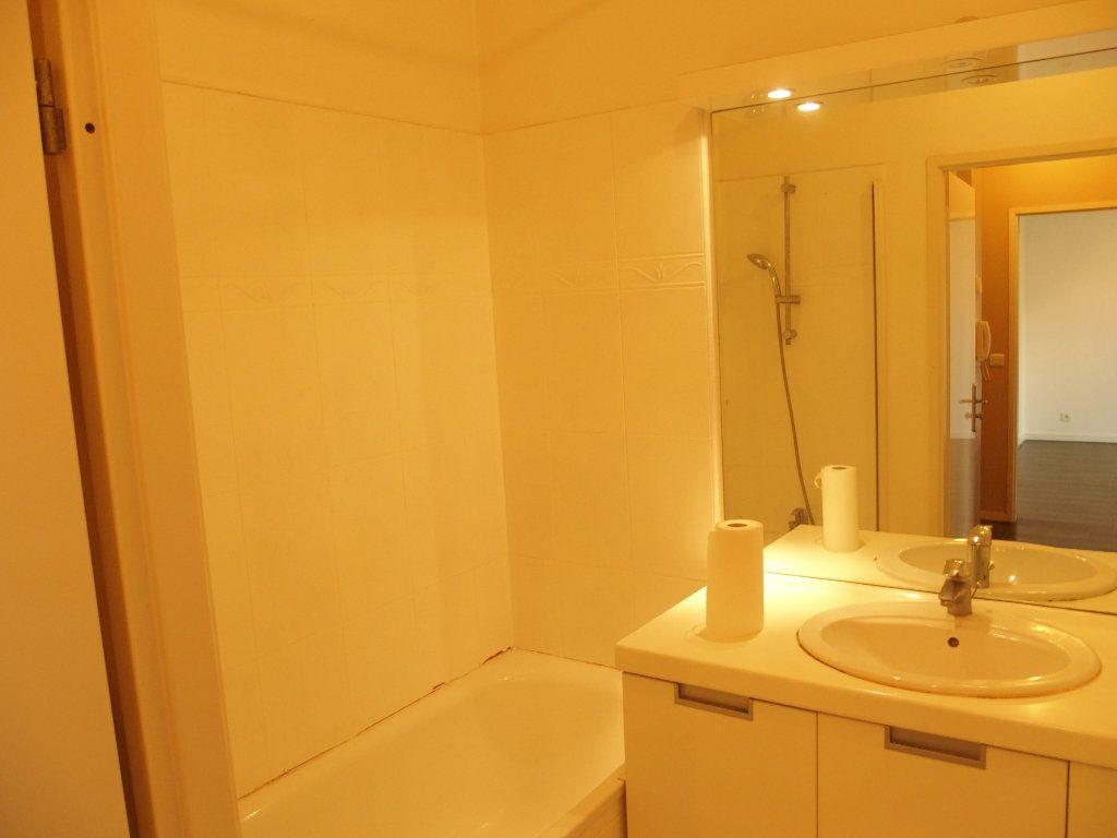 Appartement à louer 2 42m2 à Bois-d'Arcy vignette-8
