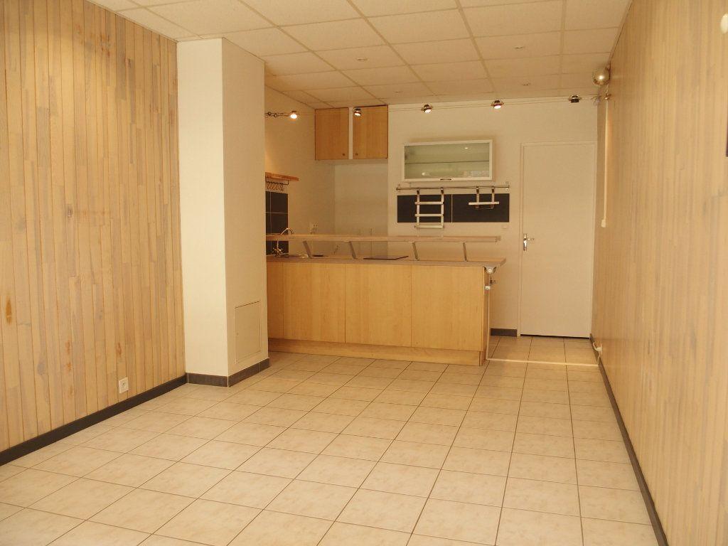 Appartement à louer 1 22m2 à Fontenay-le-Fleury vignette-1