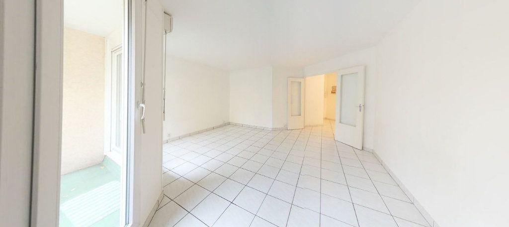 Appartement à vendre 3 70m2 à Montigny-le-Bretonneux vignette-1