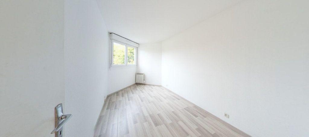 Appartement à vendre 3 70m2 à Montigny-le-Bretonneux vignette-3