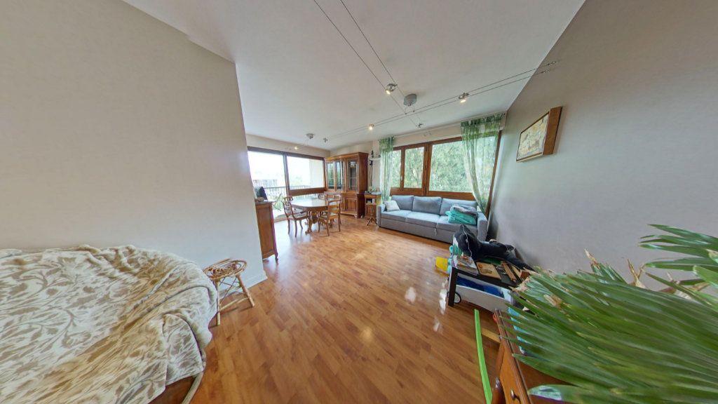 Appartement à vendre 3 68m2 à Fontenay-le-Fleury vignette-1