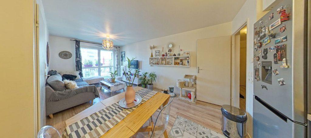 Appartement à vendre 2 45m2 à Fontenay-le-Fleury vignette-2
