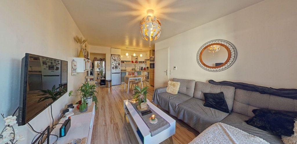 Appartement à vendre 2 45m2 à Fontenay-le-Fleury vignette-3