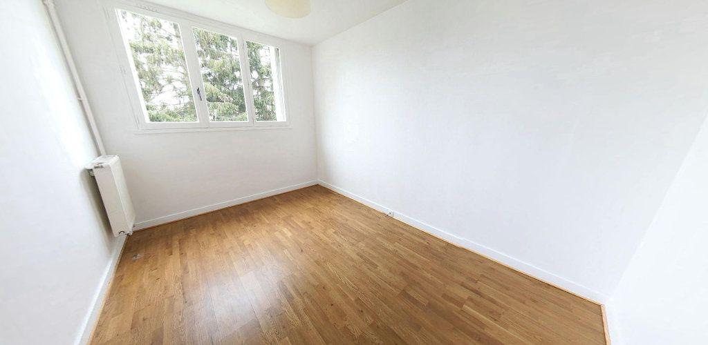 Appartement à vendre 4 69m2 à Fontenay-le-Fleury vignette-4