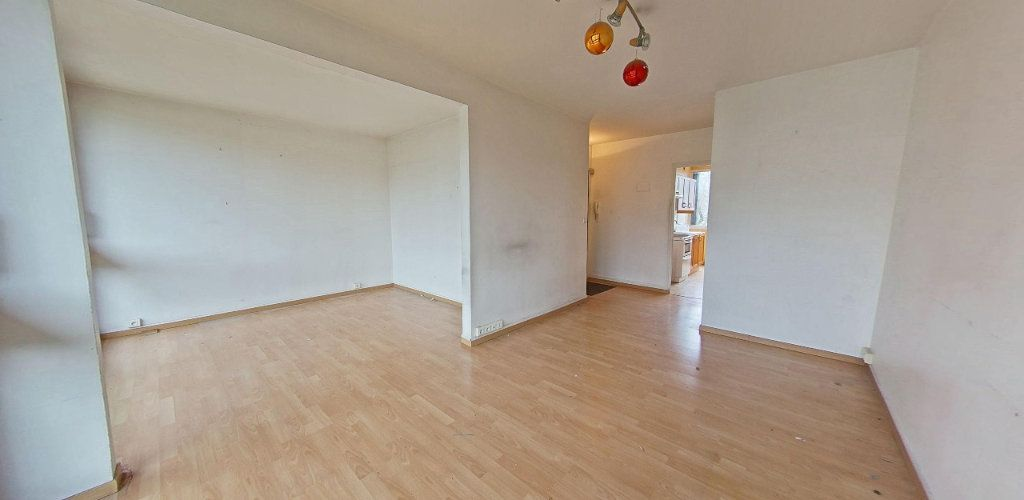 Appartement à vendre 3 66m2 à Fontenay-le-Fleury vignette-1