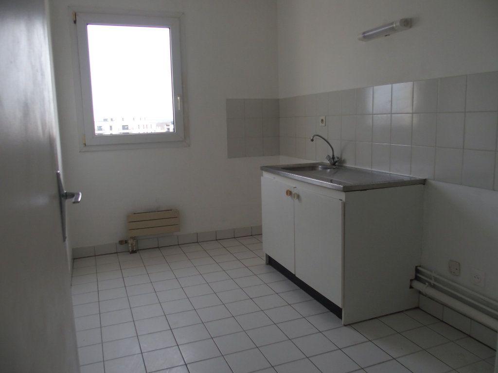 Appartement à louer 3 62m2 à Saint-Cyr-l'École vignette-2