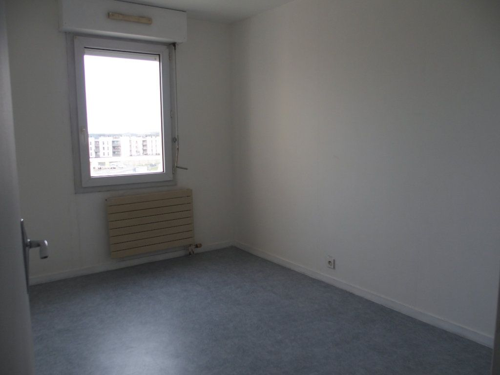 Appartement à louer 3 62m2 à Saint-Cyr-l'École vignette-3