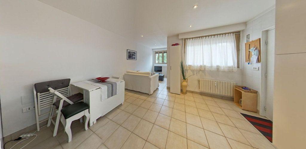 Appartement à vendre 2 31.5m2 à Saint-Cyr-l'École vignette-1