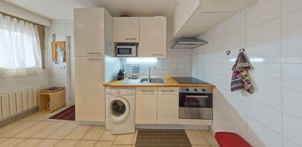 Appartement à vendre 2 31.5m2 à Saint-Cyr-l'École vignette-2