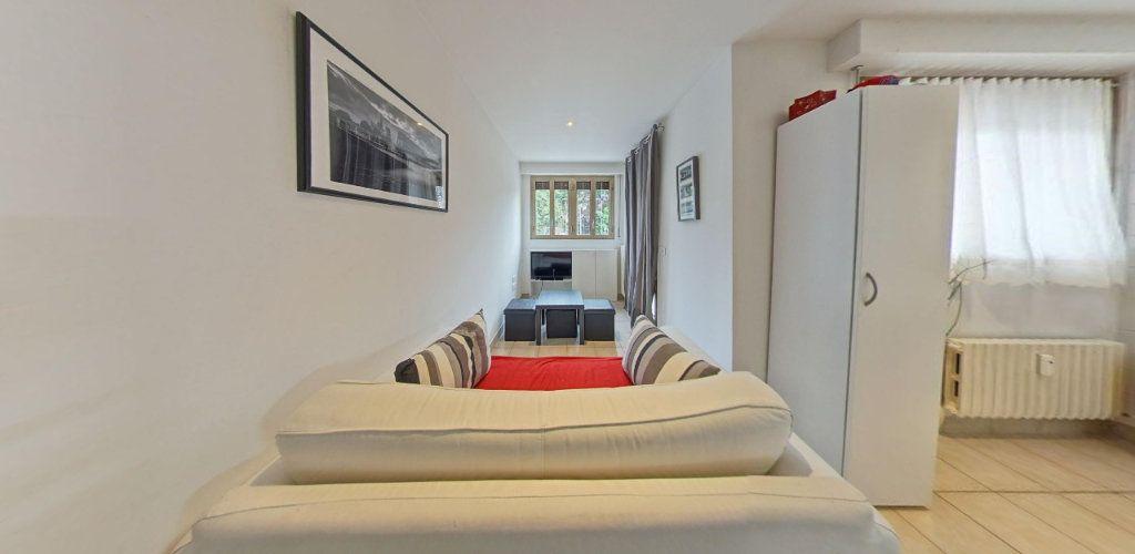 Appartement à vendre 2 31.5m2 à Saint-Cyr-l'École vignette-3