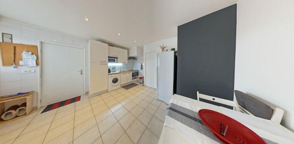 Appartement à vendre 2 31.5m2 à Saint-Cyr-l'École vignette-6