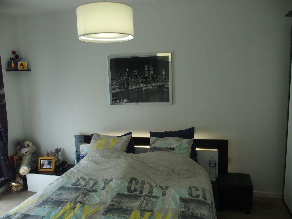 Appartement à louer 2 41.5m2 à Fontenay-le-Fleury vignette-4