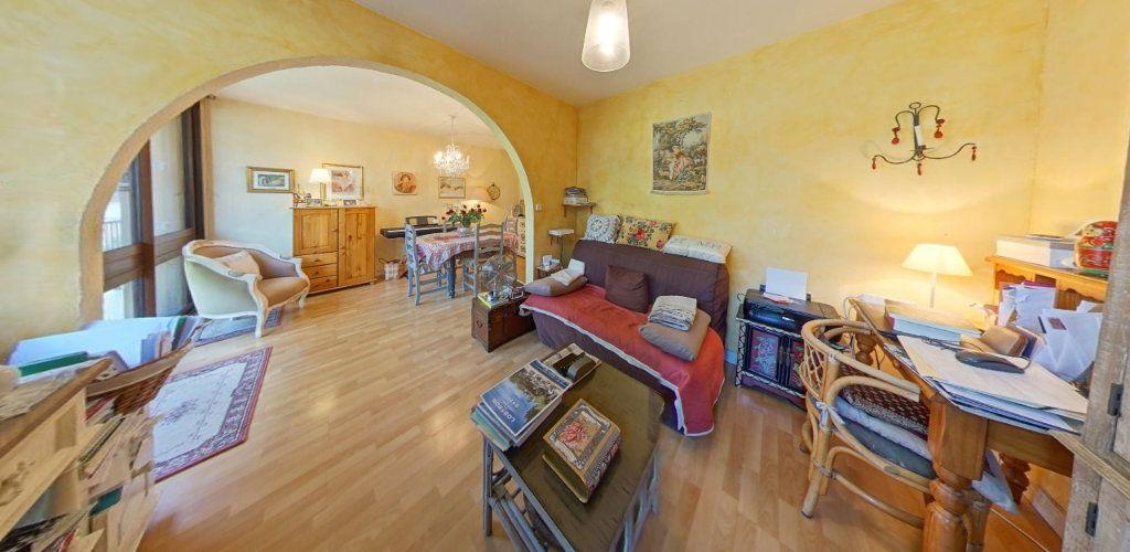 Appartement à vendre 3 65m2 à Fontenay-le-Fleury vignette-1