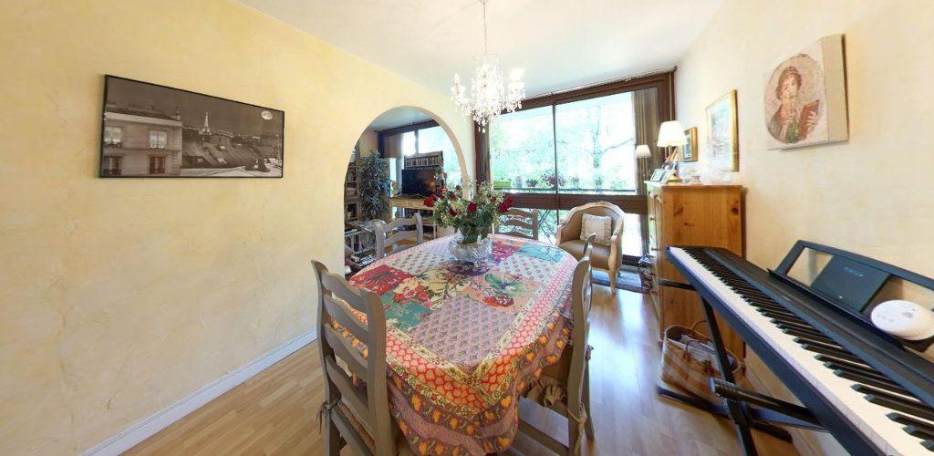 Appartement à vendre 3 65m2 à Fontenay-le-Fleury vignette-2