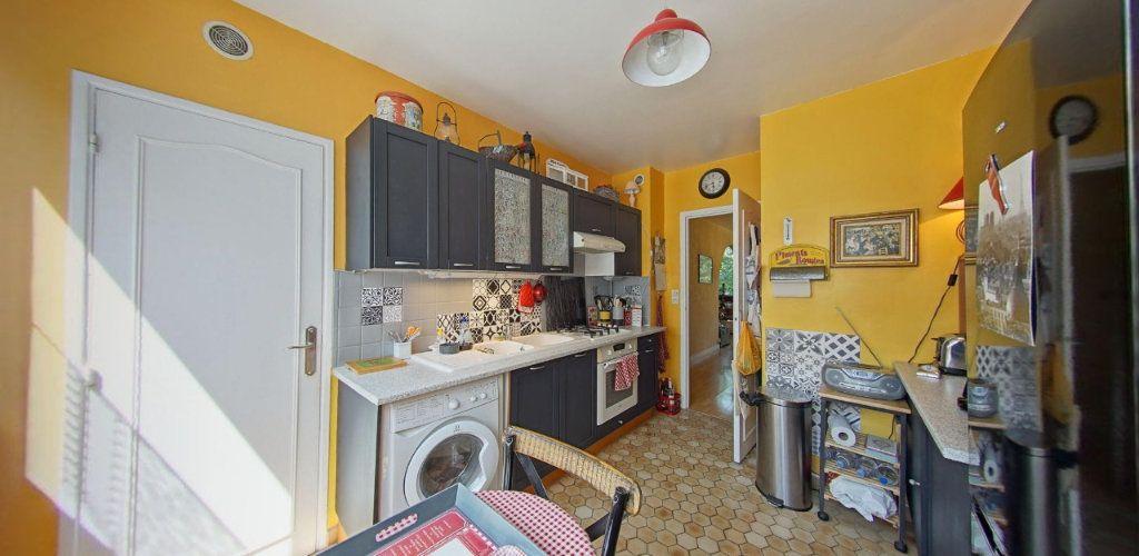 Appartement à vendre 3 65m2 à Fontenay-le-Fleury vignette-4