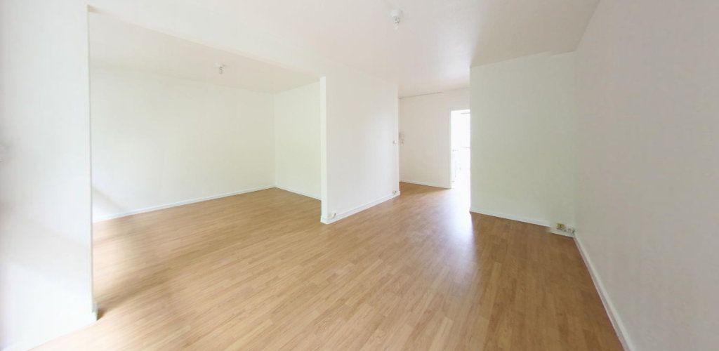 Appartement à louer 3 64m2 à Fontenay-le-Fleury vignette-1