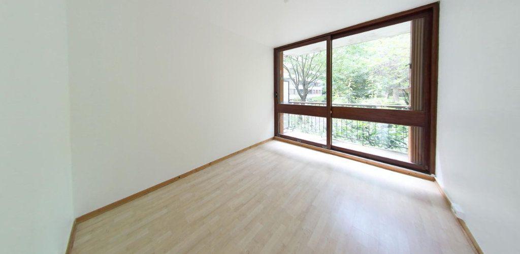 Appartement à louer 3 64m2 à Fontenay-le-Fleury vignette-4