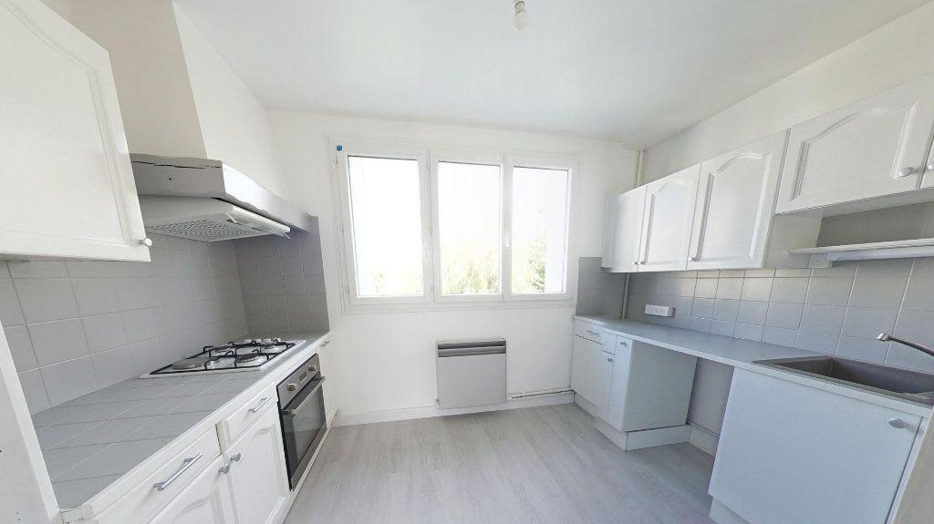 Appartement à louer 3 56.91m2 à Bois-d'Arcy vignette-1