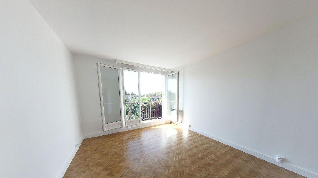 Appartement à louer 3 56.91m2 à Bois-d'Arcy vignette-2
