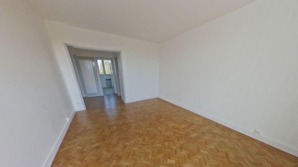 Appartement à louer 3 56.91m2 à Bois-d'Arcy vignette-4