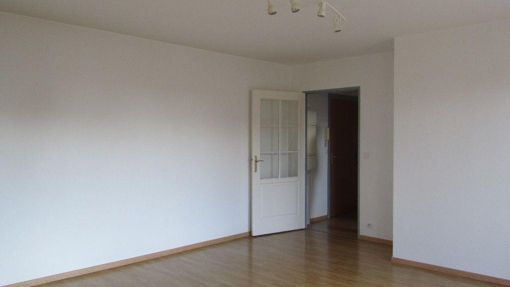 Appartement à louer 3 67m2 à Coulommiers vignette-1