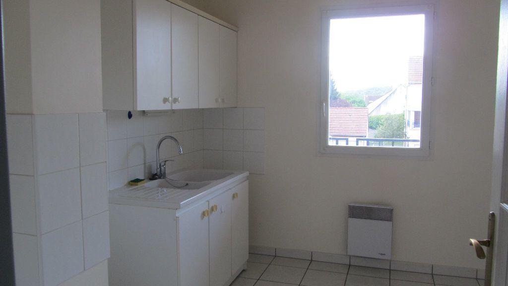 Appartement à louer 3 67m2 à Coulommiers vignette-3
