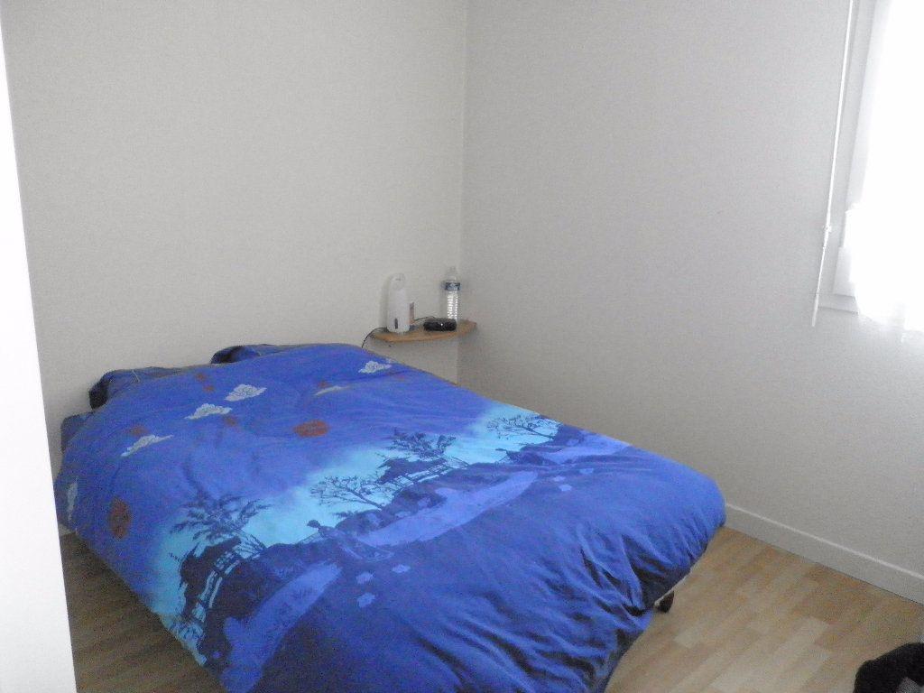 Appartement à louer 3 65m2 à Coulommiers vignette-3