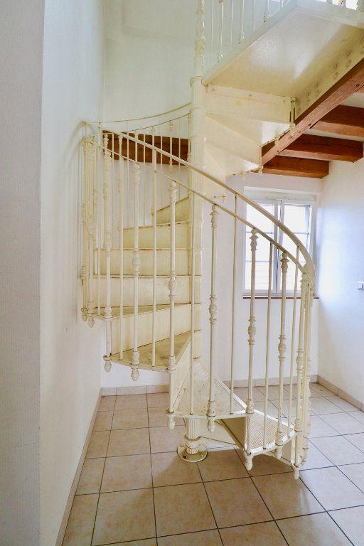 Appartement à vendre 5 105m2 à Coulommiers vignette-3