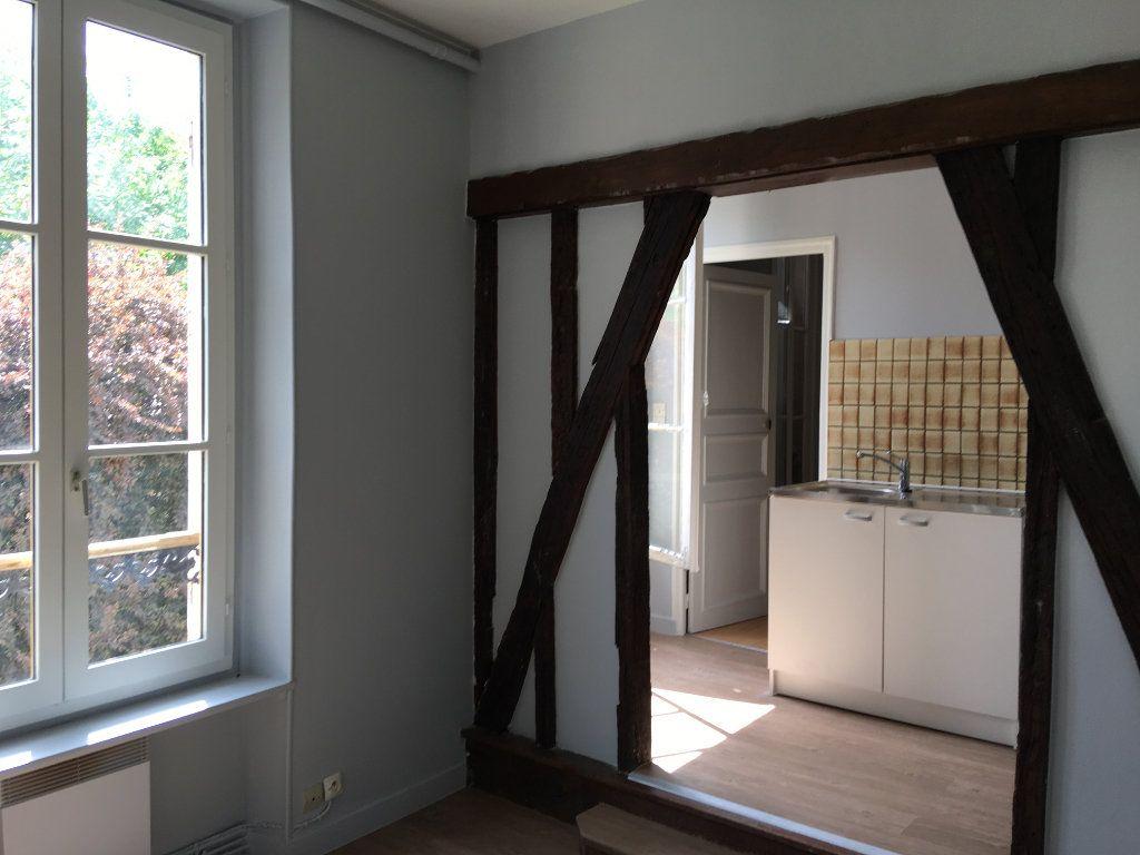 Appartement à louer 2 24.78m2 à La Ferté-Gaucher vignette-1