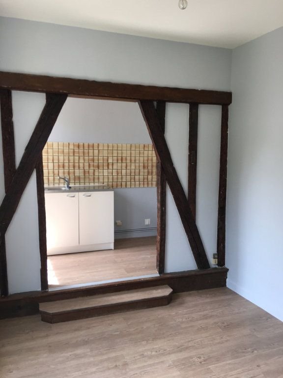 Appartement à louer 2 24.78m2 à La Ferté-Gaucher vignette-2