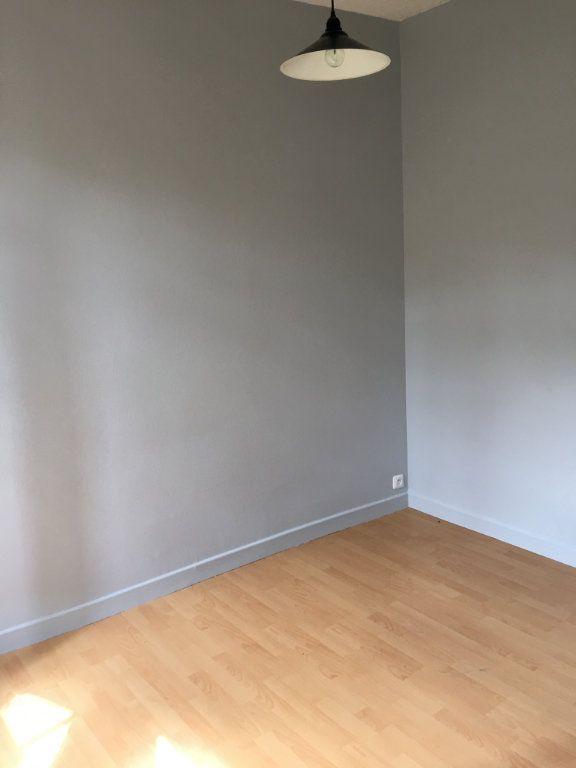 Appartement à louer 2 24.78m2 à La Ferté-Gaucher vignette-5
