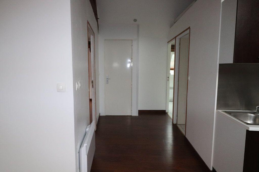 Appartement à louer 2 48.93m2 à Coulommiers vignette-5