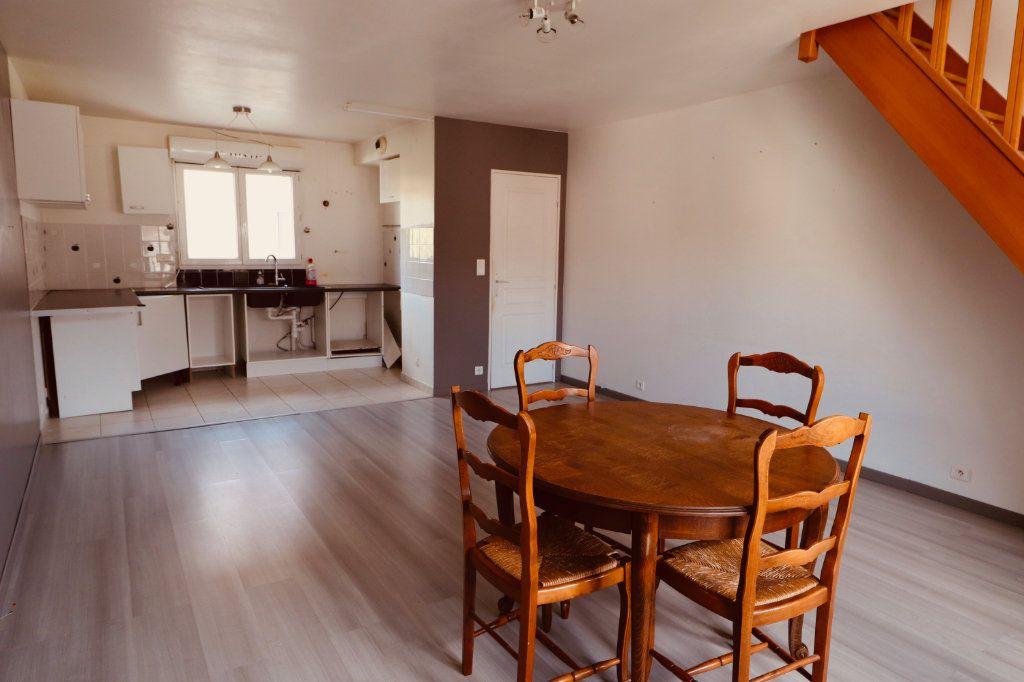 Appartement à vendre 4 87m2 à Coulommiers vignette-1