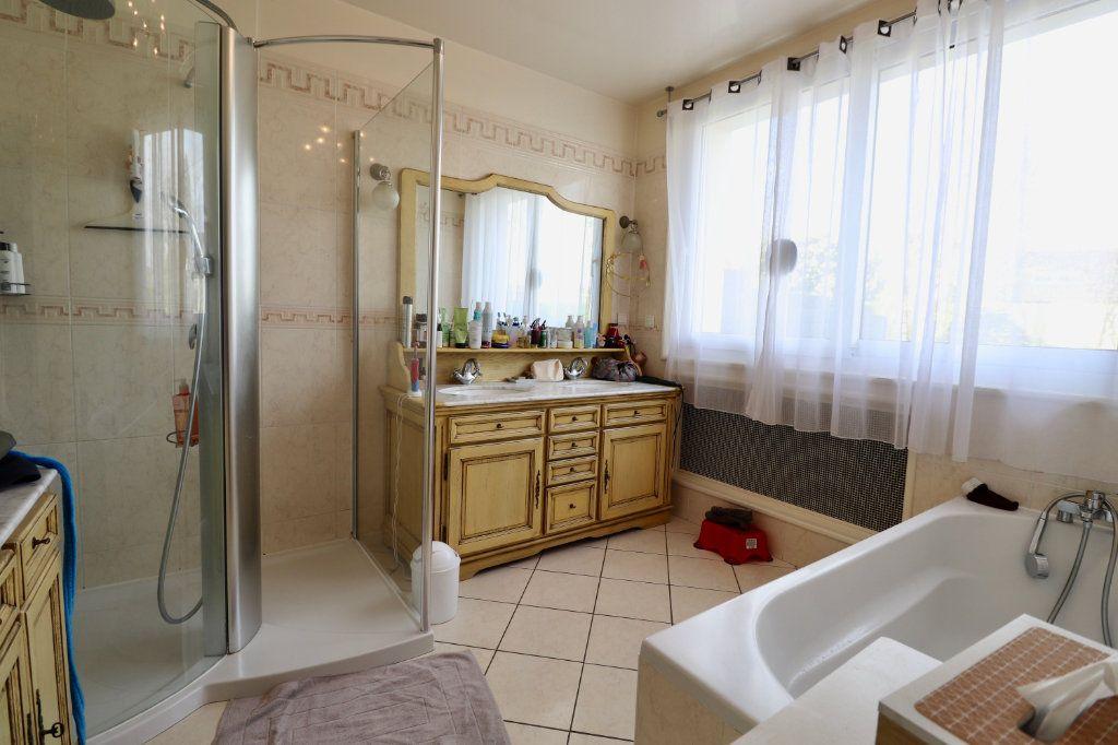 Maison à vendre 5 190m2 à Armentières-en-Brie vignette-5