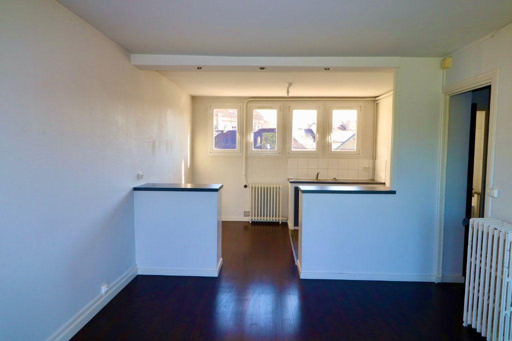 Appartement à vendre 4 64m2 à Coulommiers vignette-1