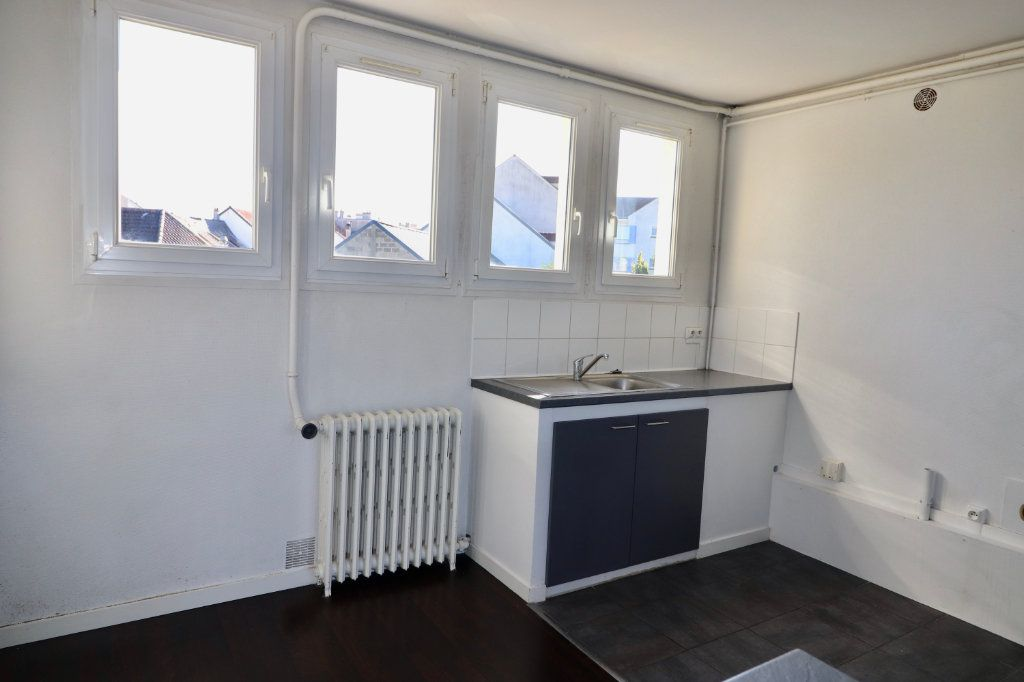 Appartement à vendre 4 64m2 à Coulommiers vignette-3