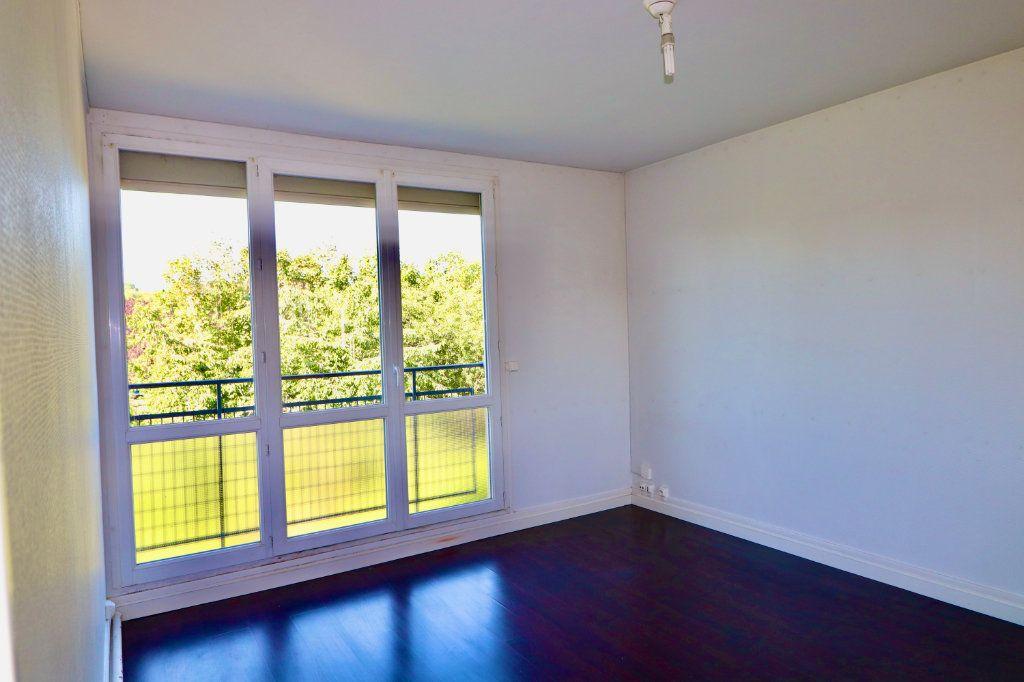 Appartement à vendre 4 64m2 à Coulommiers vignette-4