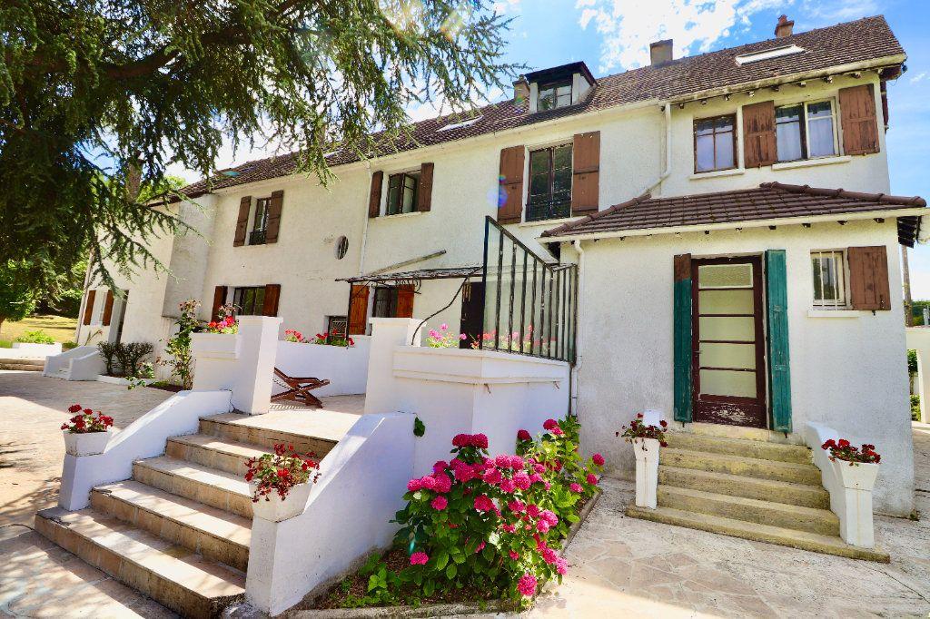 Maison à vendre 10 265m2 à Coulommiers vignette-1