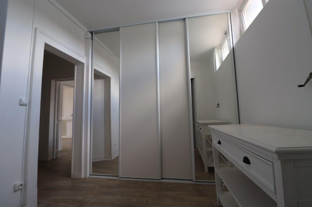 Appartement à louer 3 65.7m2 à Coulommiers vignette-5