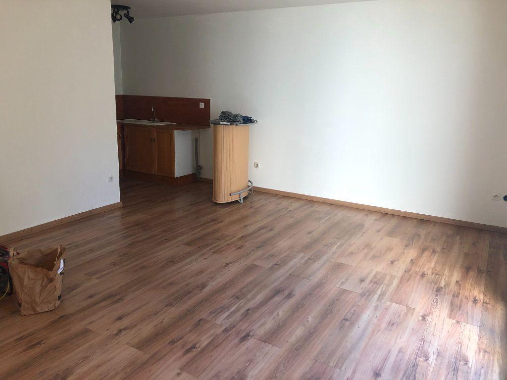 Appartement à vendre 1 27.92m2 à Coulommiers vignette-2