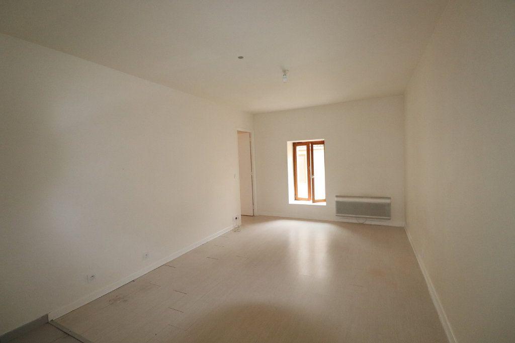 Appartement à louer 2 30.47m2 à La Ferté-Gaucher vignette-2
