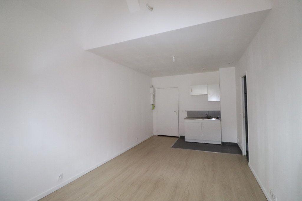 Appartement à louer 2 29.09m2 à La Ferté-Gaucher vignette-2