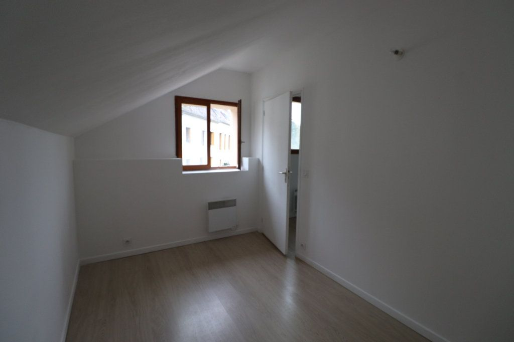 Appartement à louer 2 29.09m2 à La Ferté-Gaucher vignette-3