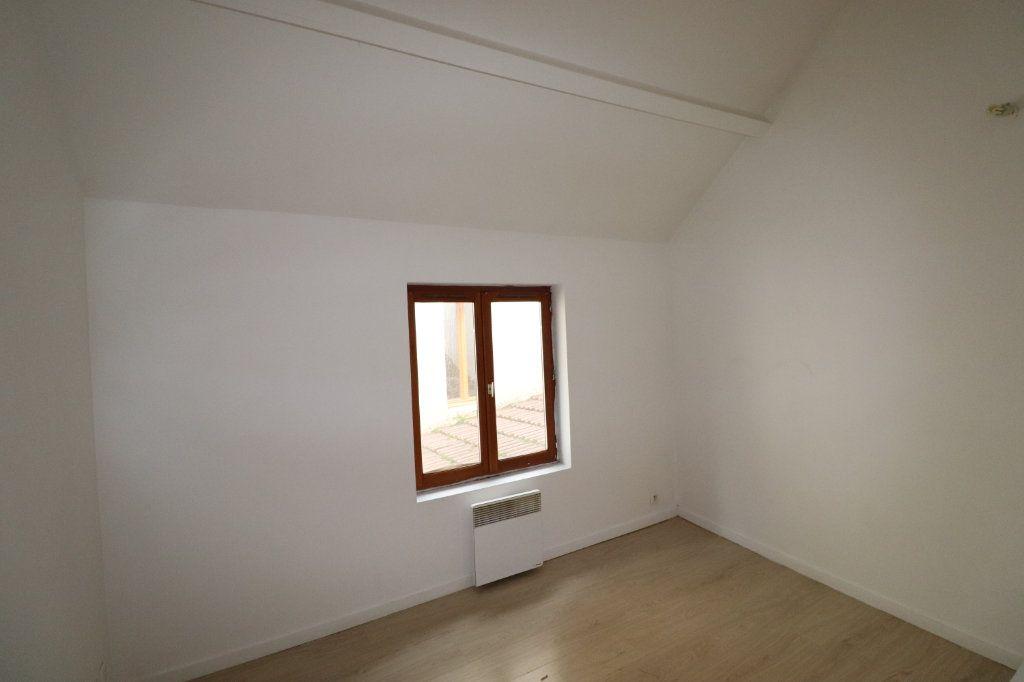 Appartement à louer 2 31.81m2 à La Ferté-Gaucher vignette-1