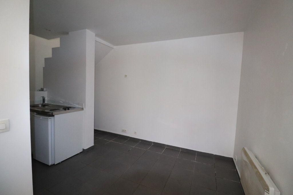Appartement à louer 2 31.81m2 à La Ferté-Gaucher vignette-2