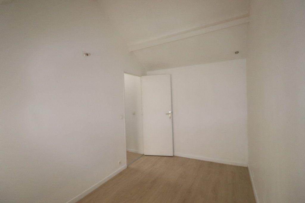 Appartement à louer 2 31.81m2 à La Ferté-Gaucher vignette-4