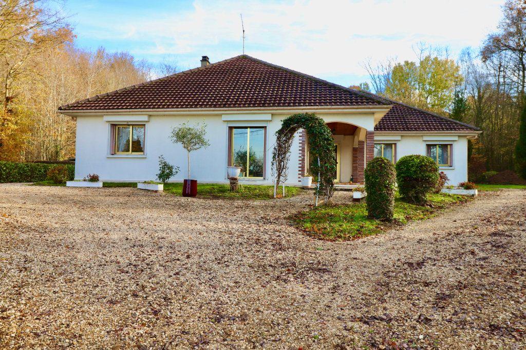 Maison à vendre 5 136.48m2 à Saint-Denis-lès-Rebais vignette-1