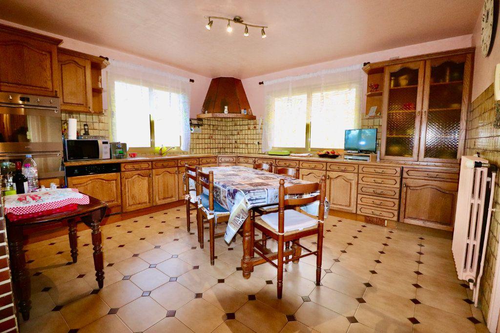 Maison à vendre 5 136.48m2 à Saint-Denis-lès-Rebais vignette-5
