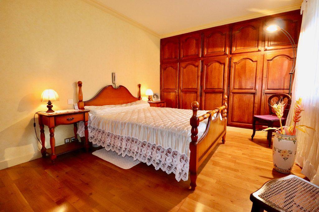 Maison à vendre 5 136.48m2 à Saint-Denis-lès-Rebais vignette-6